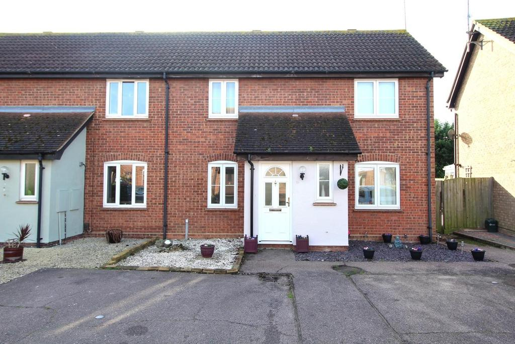 3 Bedrooms Semi Detached House for sale in Mitton Vale, Chelmsford, Essex, CM2