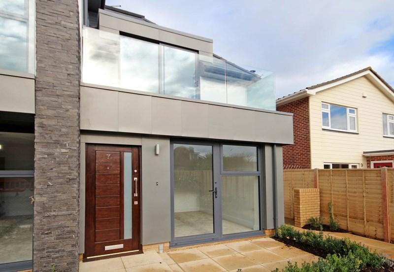 2 Bedrooms End Of Terrace House for sale in Warren Edge Road, Southbourne, Bournemouth