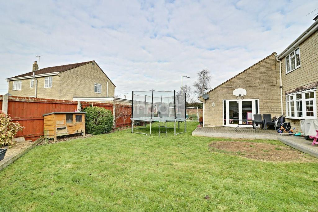 5 Bedrooms Detached House for sale in Thames Avenue, Swindon, Wiltshire