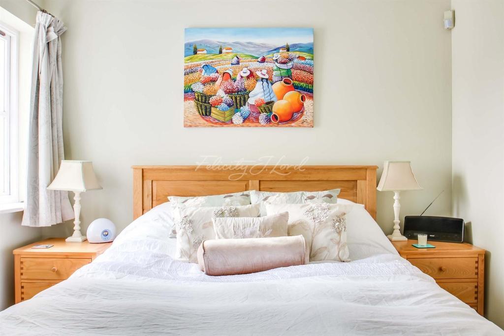 2 Bedrooms Flat for sale in St Josephs Vale, Blackheath SE3