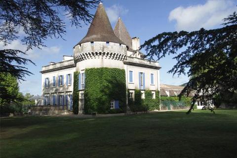 12 bedroom house  - Majestic Chateau, Montaigne Et Gurson Area, Dordogne, France