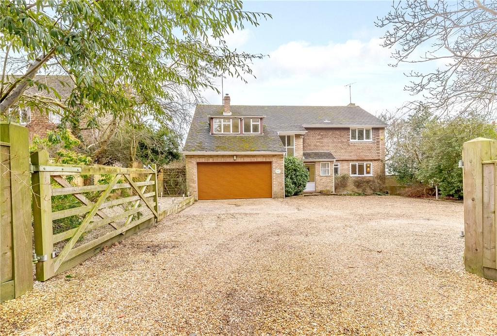 4 Bedrooms Detached House for sale in Red Shute Hill, Hermitage, Thatcham, Berkshire, RG18
