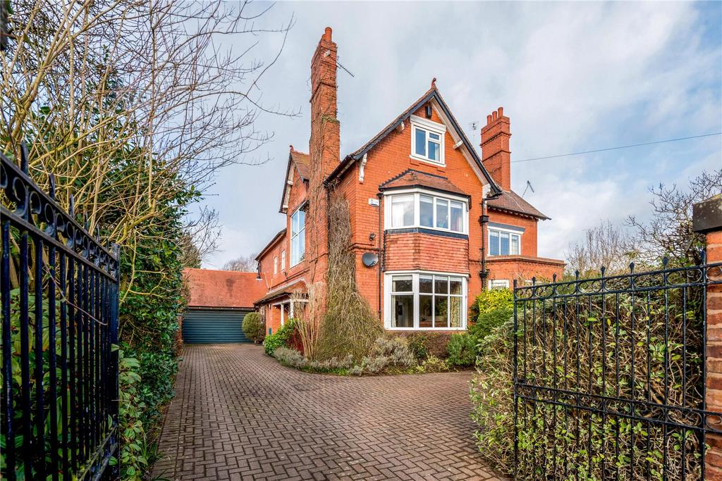 5 Bedrooms Semi Detached House for sale in Lache Lane, Chester, CH4
