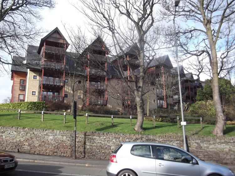 2 Bedrooms Apartment Flat for rent in Weetwood Gardens, Ecclesall. S11 9SY