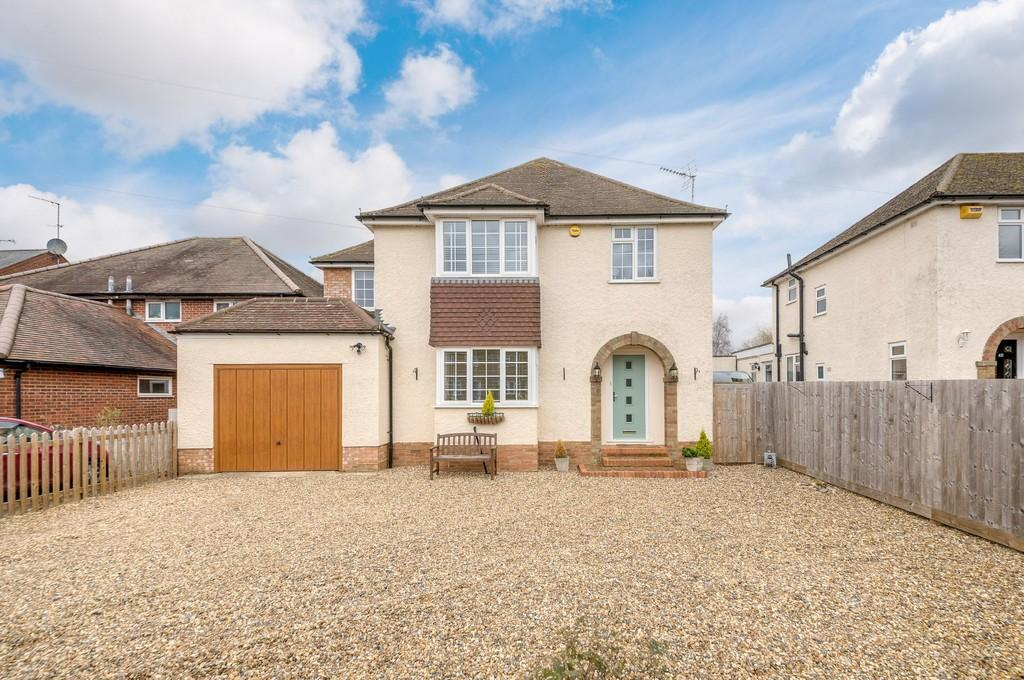 4 Bedrooms Detached House for sale in Vicarage Road, Winslow