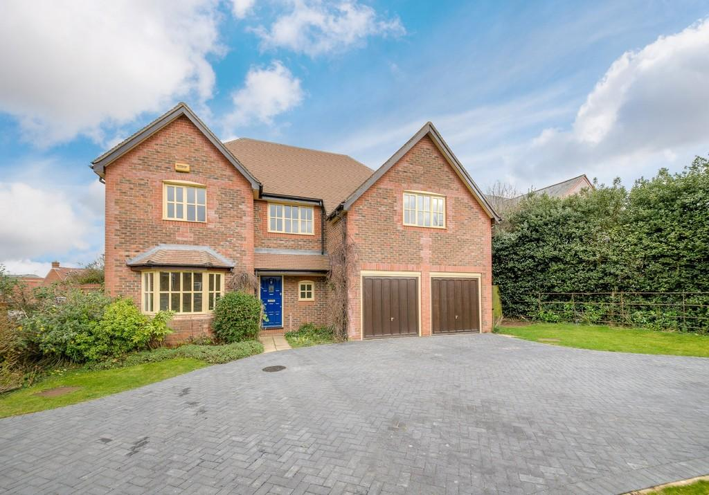 5 Bedrooms Detached House for sale in Stocks Close, Winslow
