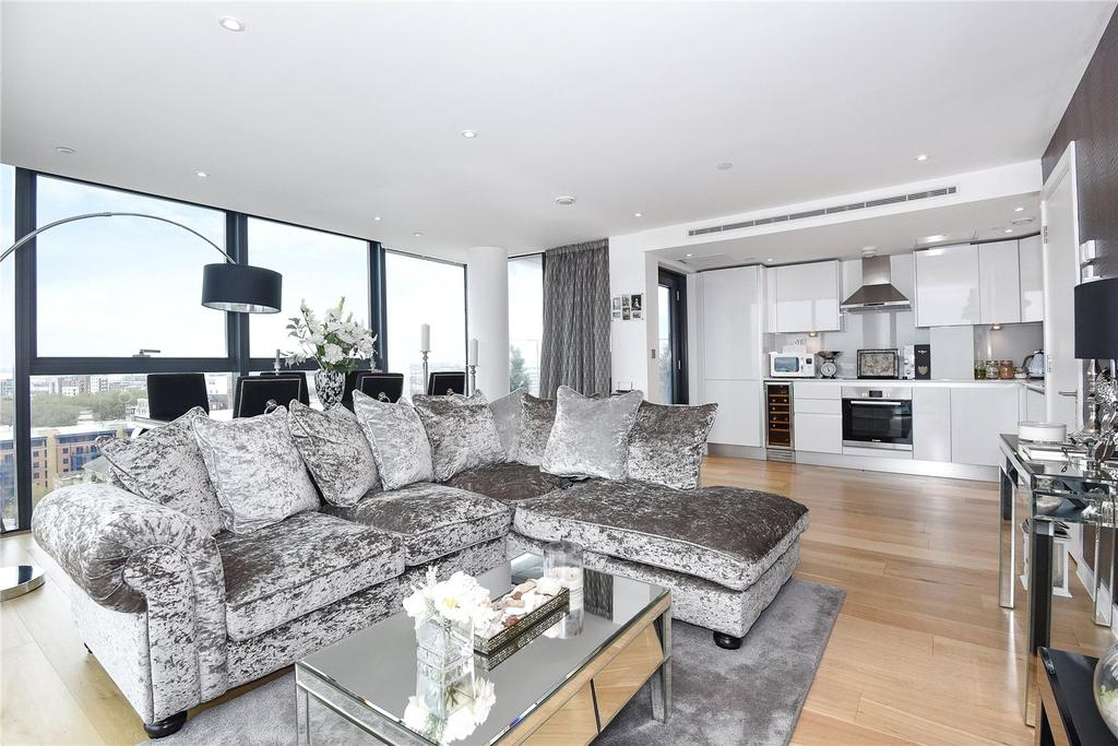 2 Bedrooms Flat for sale in The Moresby Tower, Admirals Quay, Ocean Way, Southampton, SO14