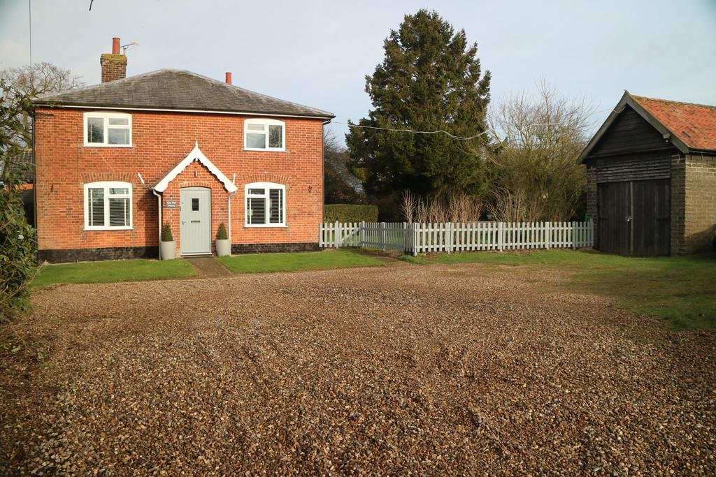 5 Bedrooms Detached House for sale in Old Mill Drive, Pulham St Mary