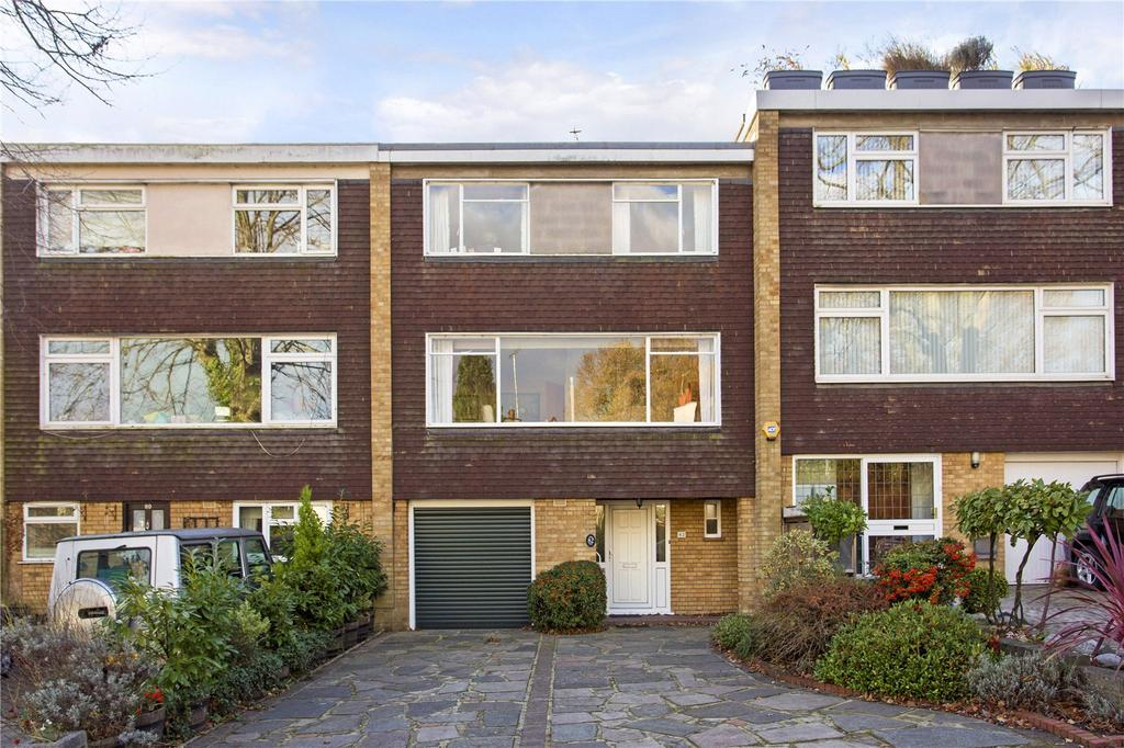 5 Bedrooms Terraced House for sale in Russell Road, Buckhurst Hill, Essex, IG9