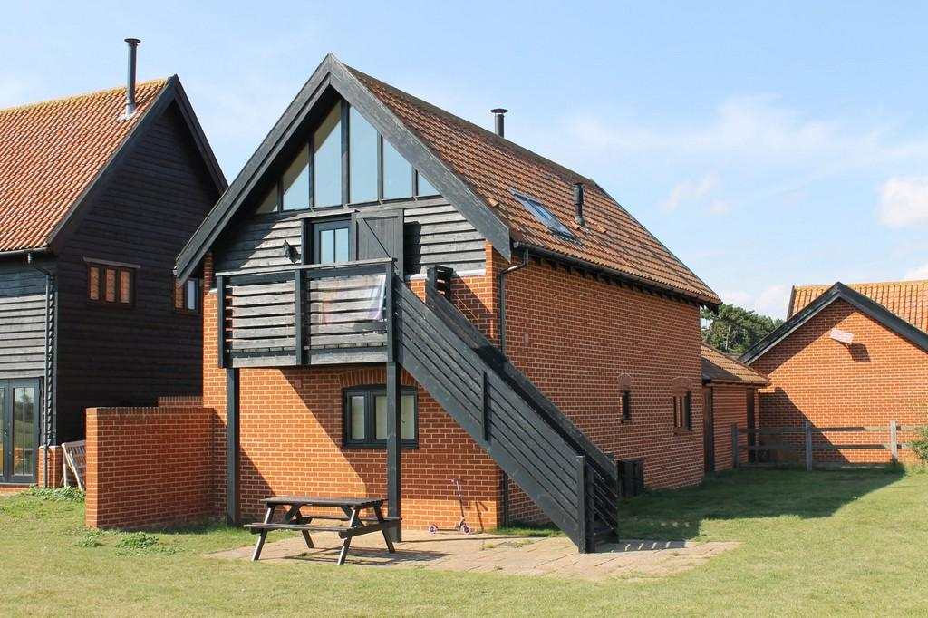 3 Bedrooms Link Detached House for sale in Bawdsey, Suffolk
