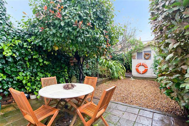 3 Bedrooms End Of Terrace House for sale in Worcester Villas, Hove