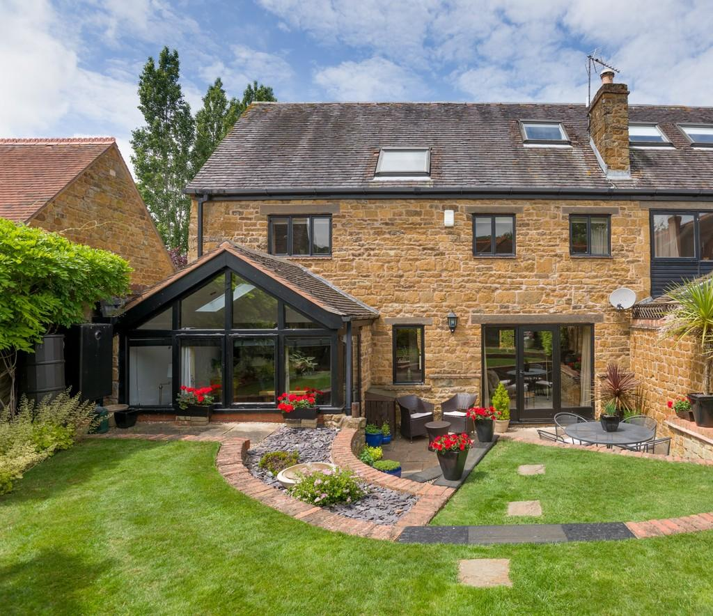 4 Bedrooms Barn Conversion Character Property for sale in Townsend Paddocks, Radway