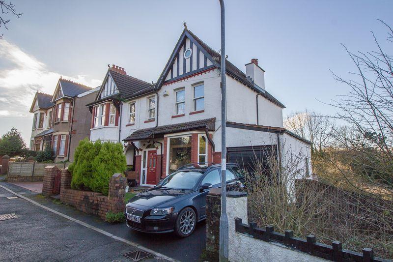 3 Bedrooms Semi Detached House for sale in Corbett Road, Penarth