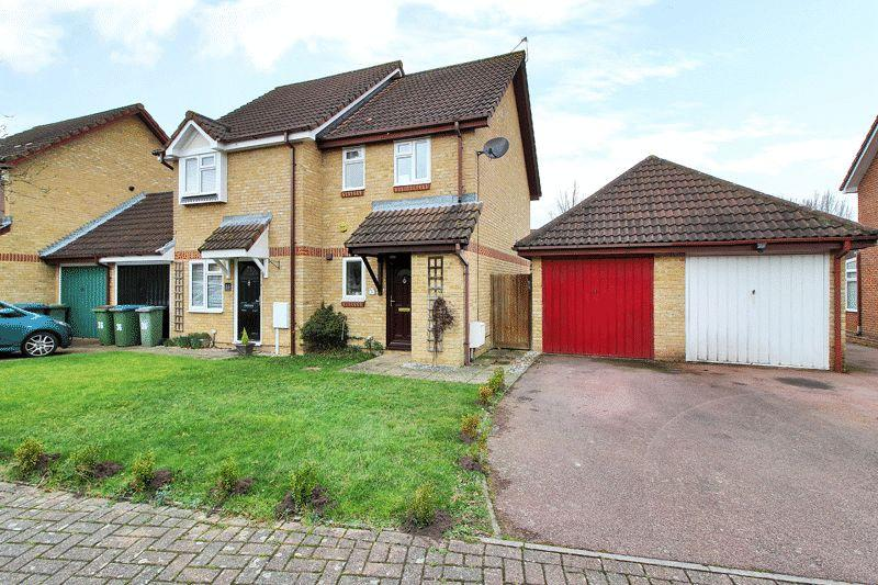 1 Bedroom End Of Terrace House for sale in Bignor Close, Horsham