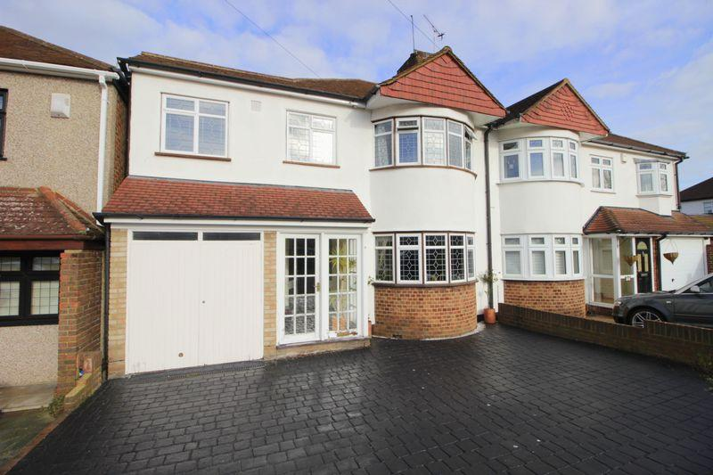 4 Bedrooms Semi Detached House for sale in Camborne Road, Sidcup, DA14 4ND