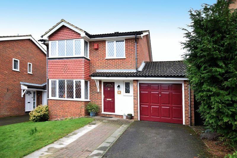 4 Bedrooms Detached House for sale in Creve Coeur Close, Bearsted Park