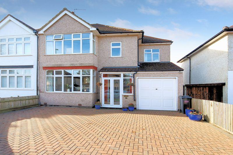 4 Bedrooms Semi Detached House for sale in Temple Avenue, Shirley