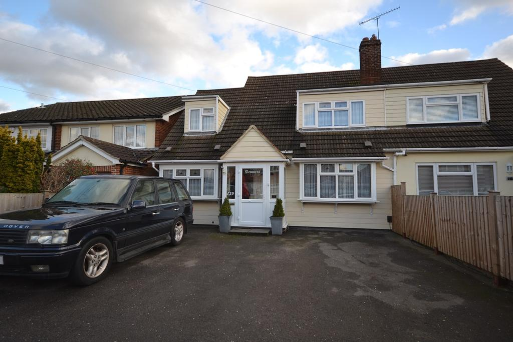4 Bedrooms Semi Detached House for sale in Branksome Avenue, Stanford-le-Hope, SS17