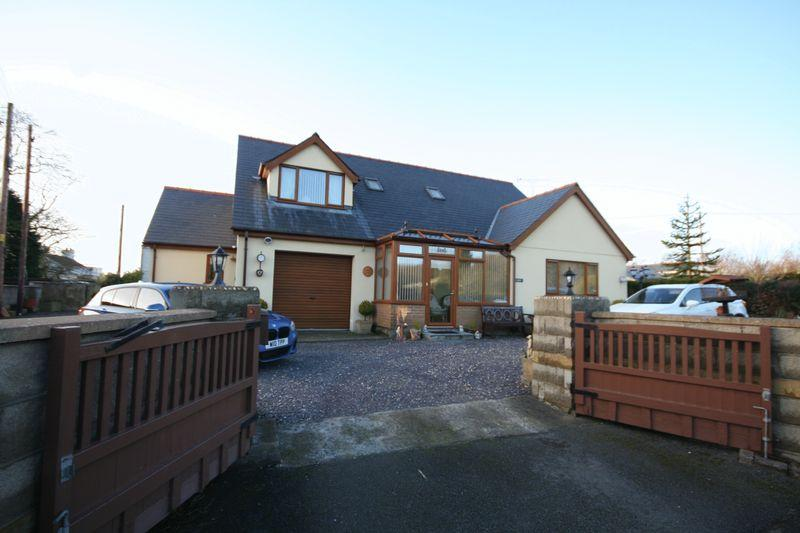 4 Bedrooms Detached Bungalow for sale in Pentre Berw, Anglesey