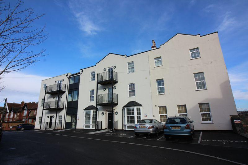2 Bedrooms Apartment Flat for sale in Monmouth Road, Pill