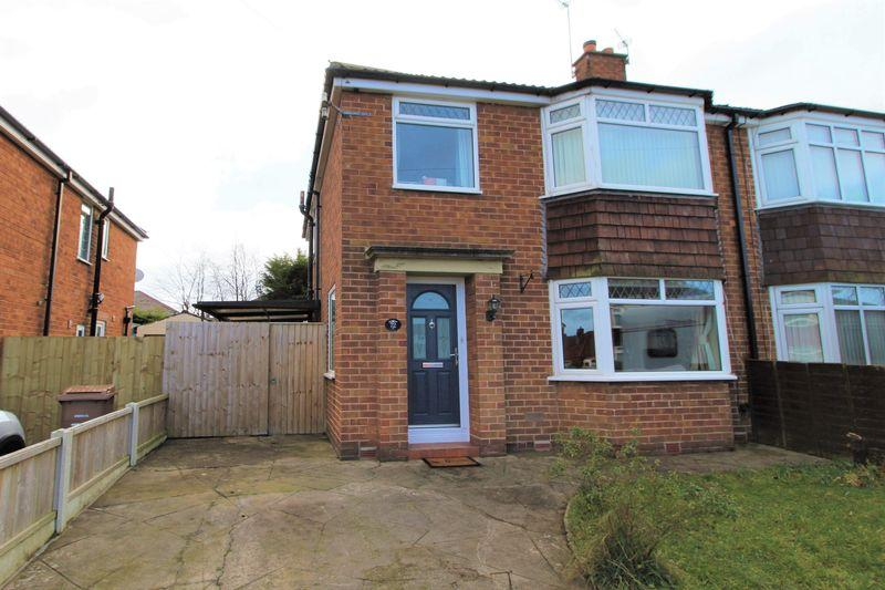 3 Bedrooms Semi Detached House for sale in Bridgenorth Road, Pensby