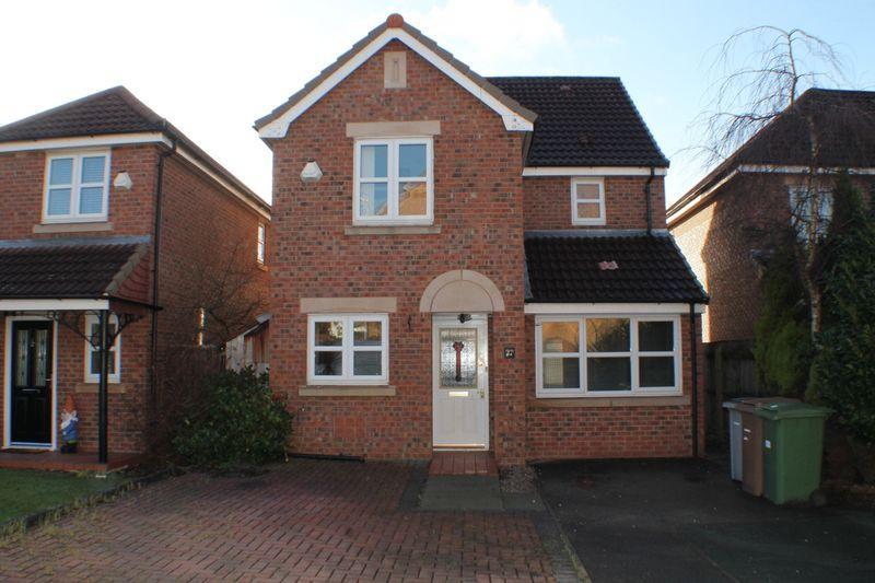 3 Bedrooms Detached House for sale in Ruskin Way, Prenton