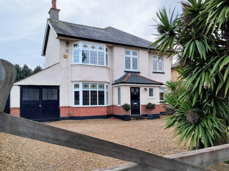 4 Bedrooms Detached House for sale in Harewood Avenue, Boscombe East, Bournemouth