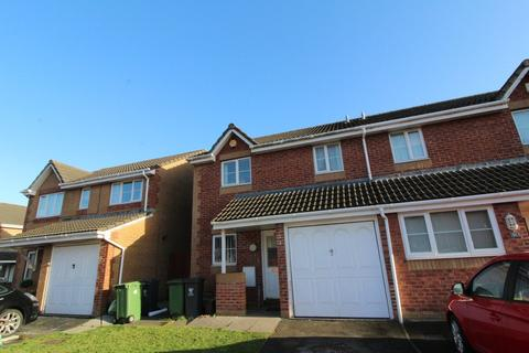 3 bedroom semi-detached house to rent - Hind Close, Pengam Green