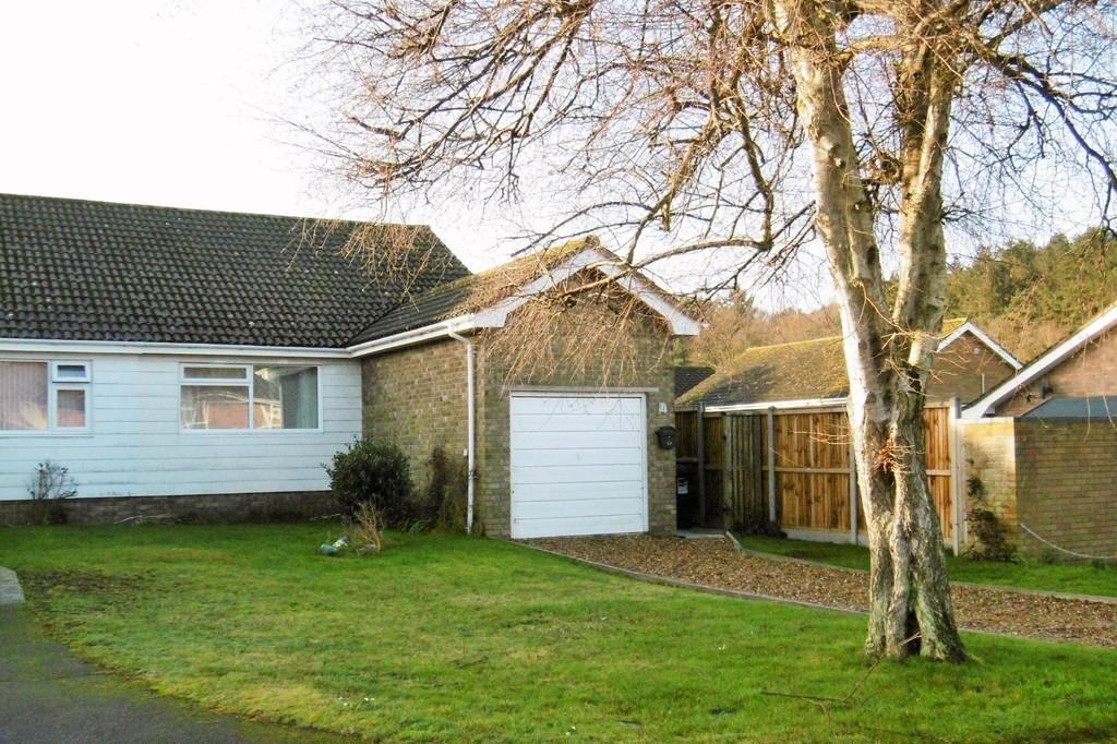 2 Bedrooms Semi Detached Bungalow for sale in Sheringham