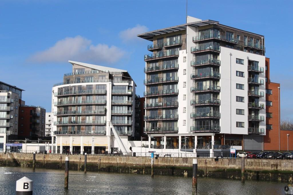 3 Bedrooms Penthouse Flat for sale in Ocean Village, Southampton