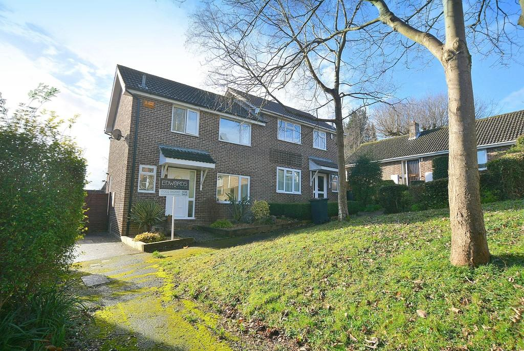 3 Bedrooms Semi Detached House for sale in Harness Close, Wimborne