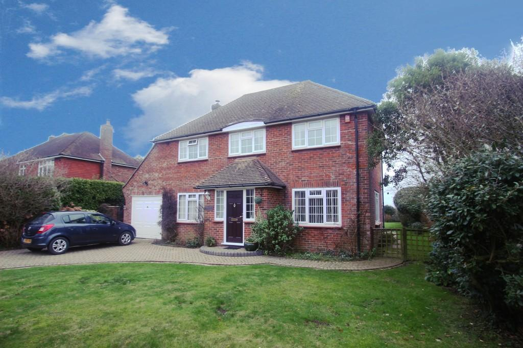 4 Bedrooms Detached House for sale in Golden Avenue, East Preston