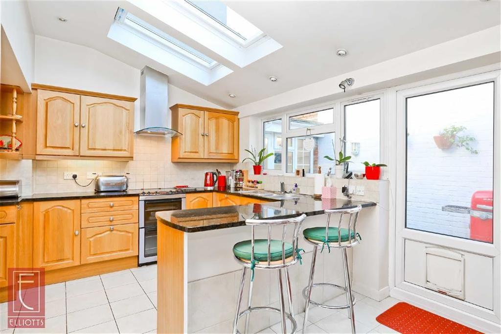 2 Bedrooms Semi Detached House for sale in Westbourne Place, Hove, East Sussex