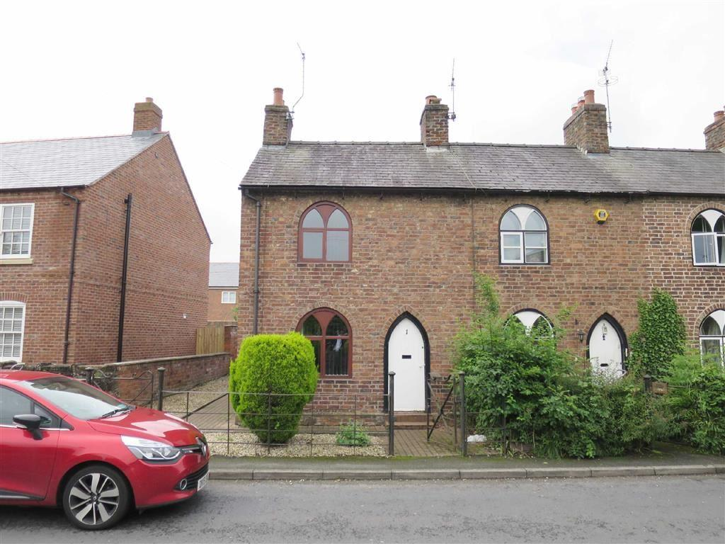 2 Bedrooms Semi Detached House for sale in Wrexham Road, Overton-on-Dee, LL13