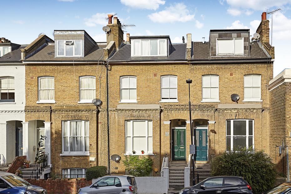 1 Bedroom Flat for sale in Bassein Park Road, London W12