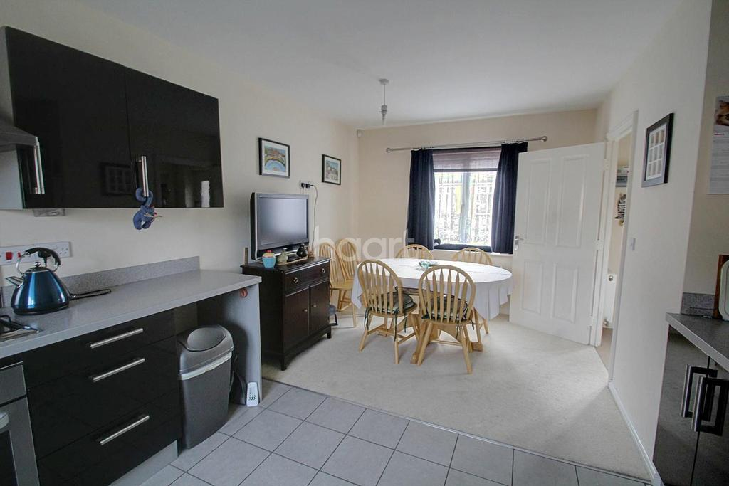 4 Bedrooms Detached House for sale in Woodward Drive, Gunthorpe, Peterborough