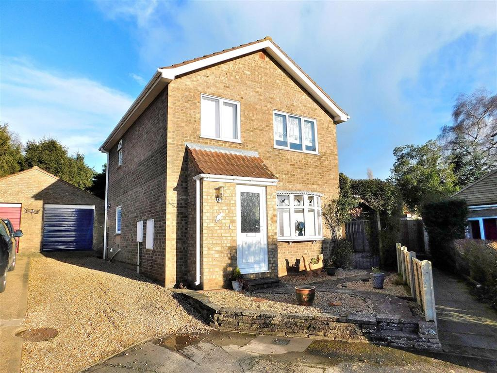 3 Bedrooms Detached House for sale in Saxon Way, Dersingham, King's Lynn