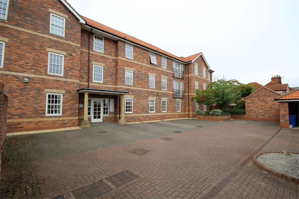 2 Bedrooms Apartment Flat for sale in Mill View Court, Figham Road, Beverley, HU17