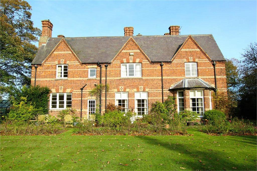 4 Bedrooms Detached House for sale in Driffield Road, Kilham, Driffield, YO25