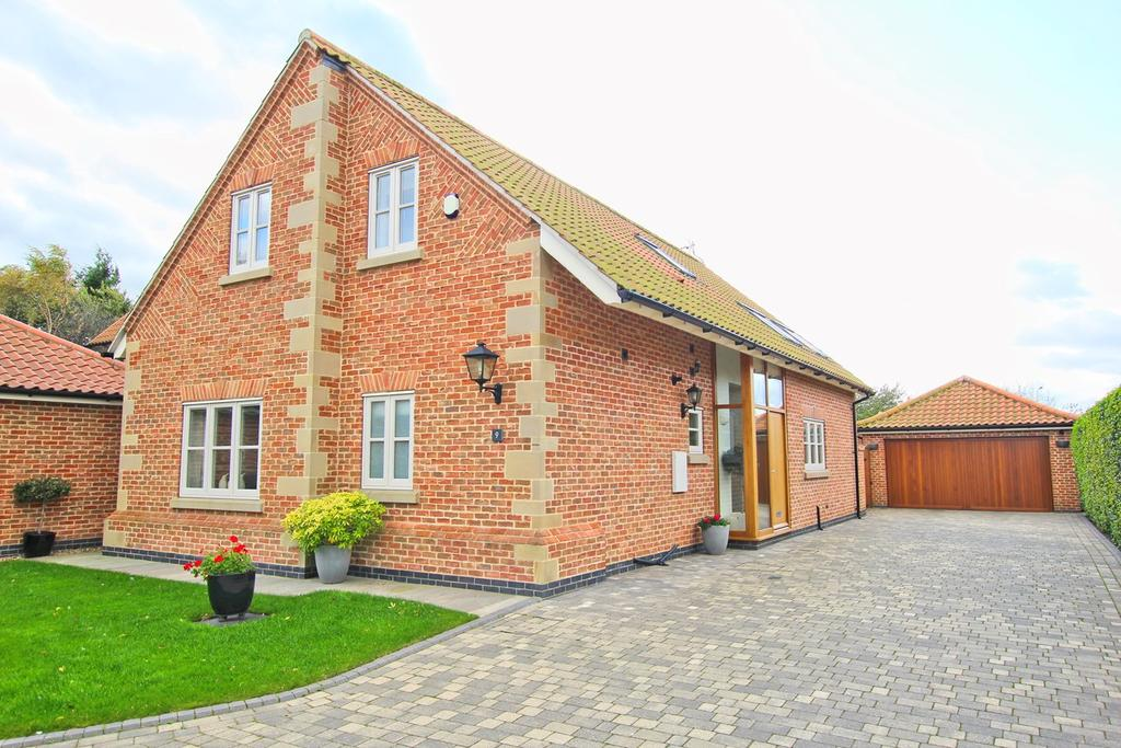 3 Bedrooms Detached Bungalow for sale in Mere Glen, Leconfield, Beverley, HU17