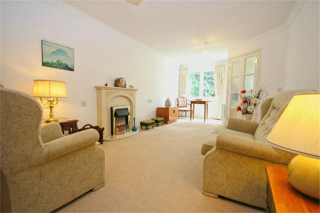 1 Bedroom Apartment Flat for sale in Ella Court, Redland Drive, Kirk Ella, HU10