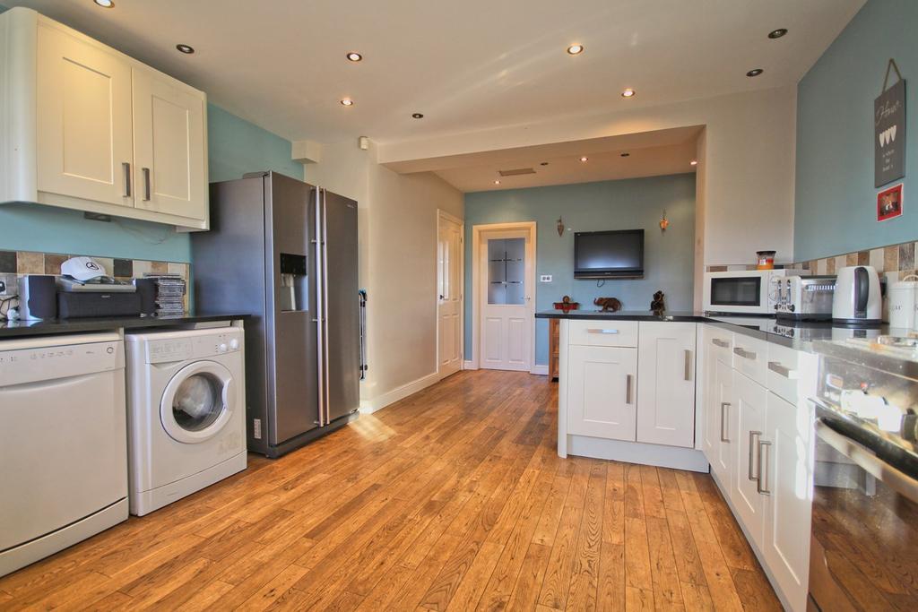2 Bedrooms Terraced House for sale in Danube Road, Hull, HU5