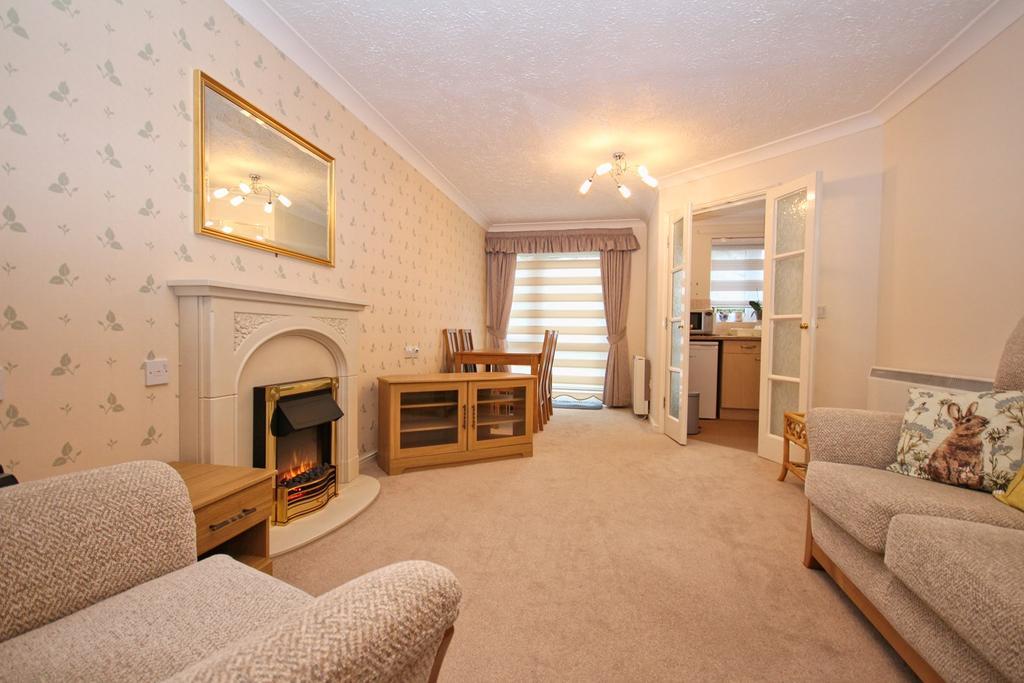 1 Bedroom Apartment Flat for sale in Ella Court, Kirk Ella, Hull, HU10