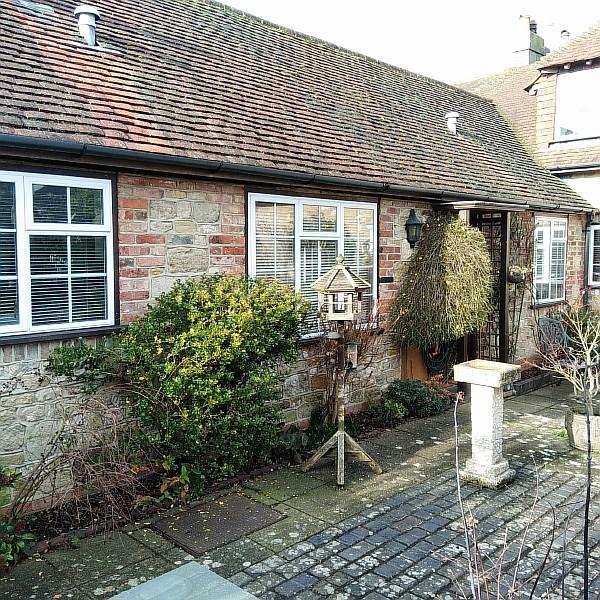 1 Bedroom Terraced House for sale in The Mews, Peworth GU28