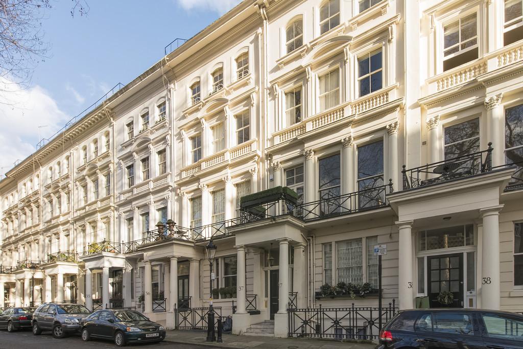 1 Bedroom Flat for sale in Rutland Gate, Knightsbridge, SW7