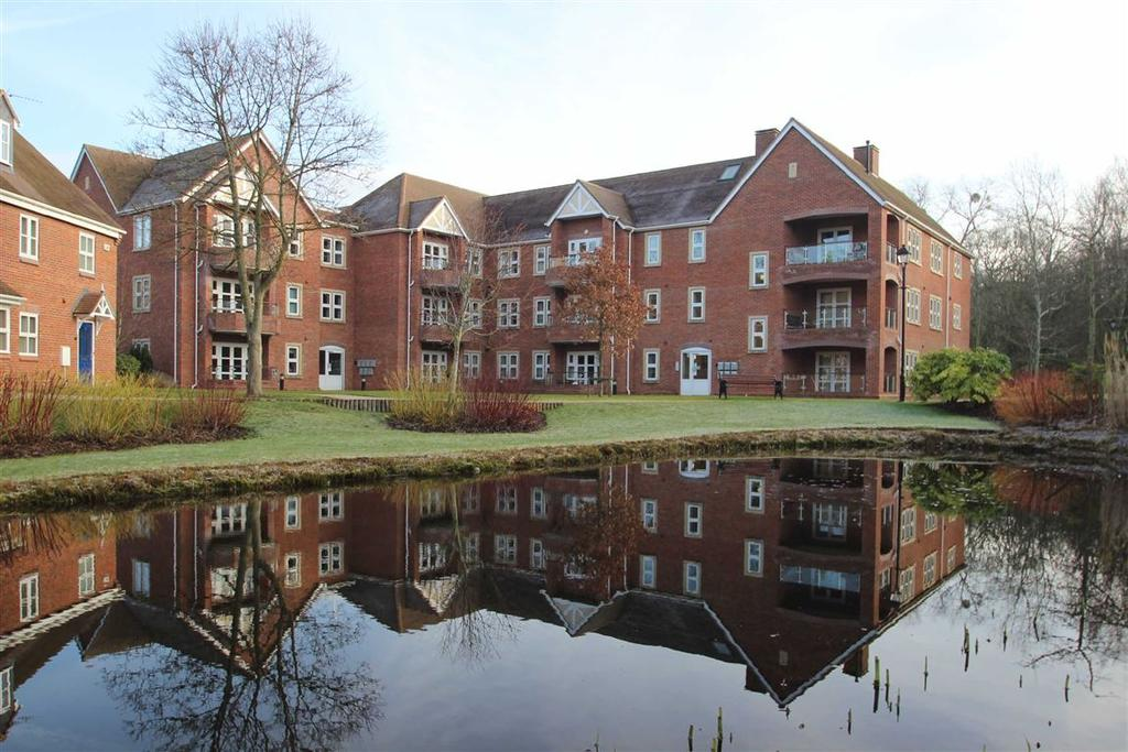 3 Bedrooms Flat for sale in Woodfield Gardens, Belmont Abbey, Hereford