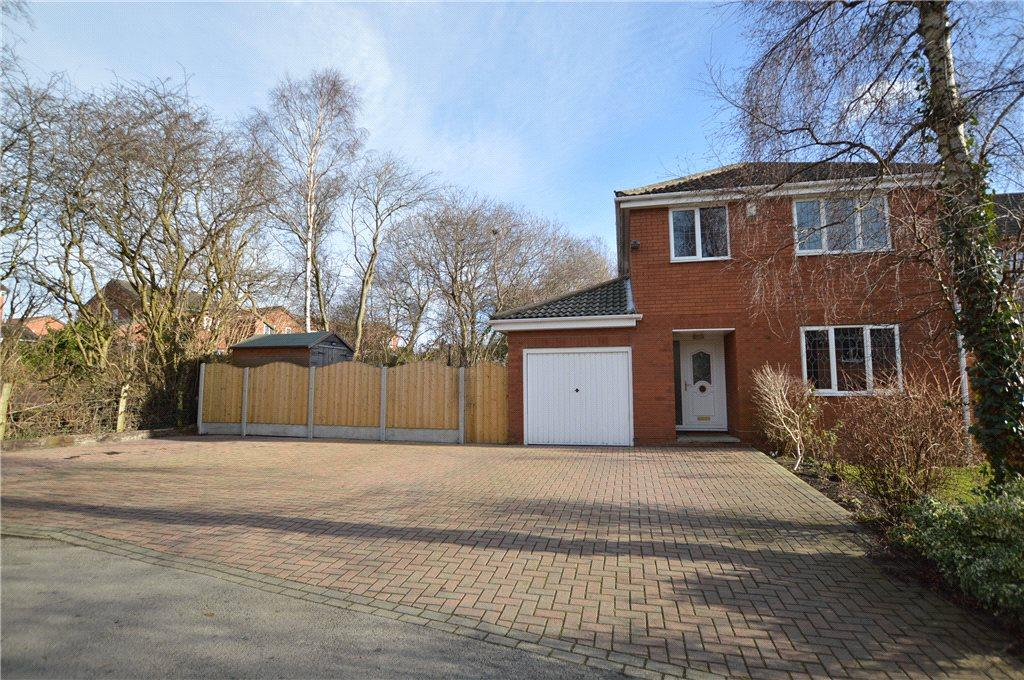 4 Bedrooms Detached House for sale in Broadcroft Way, Tingley, Wakefield