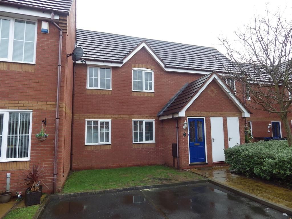 2 Bedrooms Apartment Flat for sale in Archer Gardens, Cradley Heath