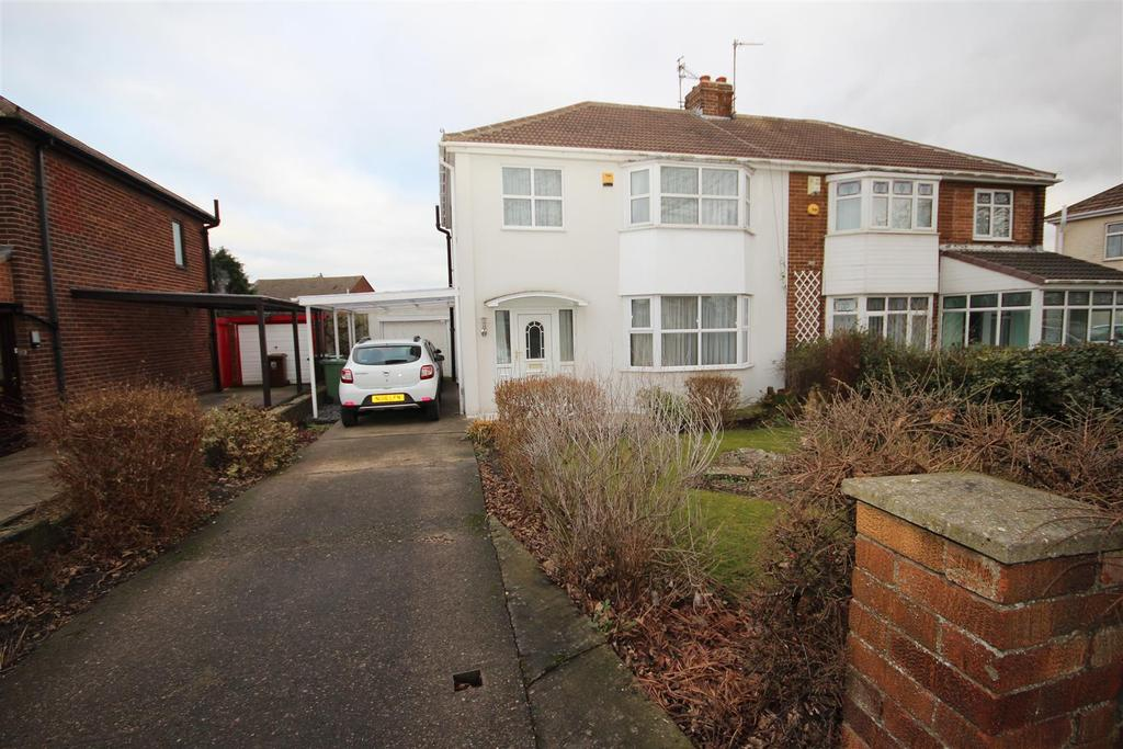 3 Bedrooms Semi Detached House for sale in Elizabeth Way, Seaton Carew, Hartlepool