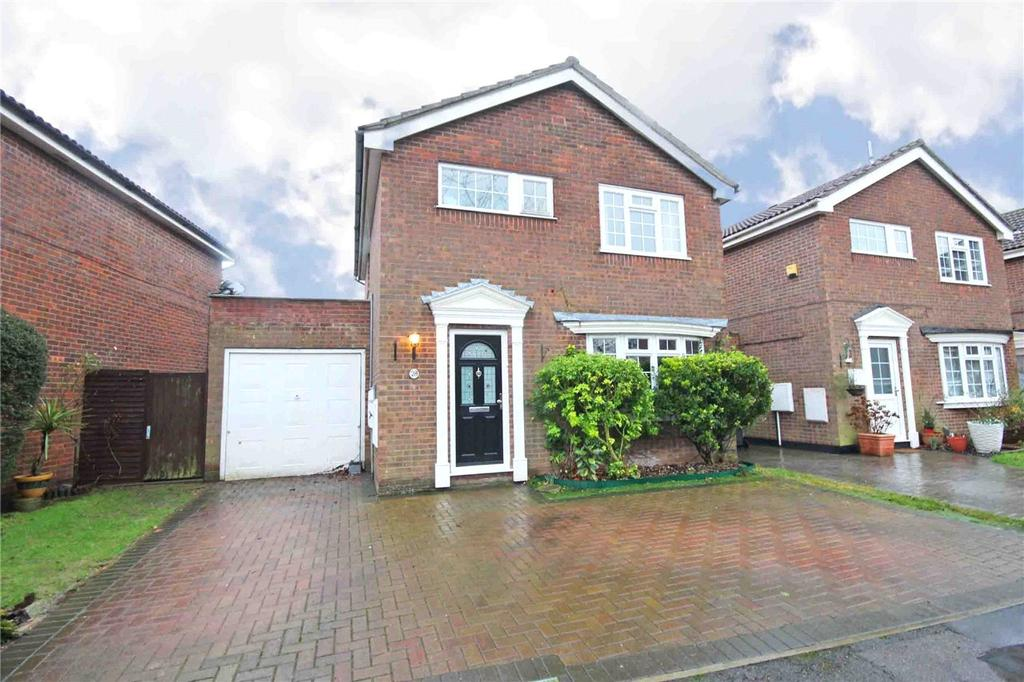 3 Bedrooms Detached House for sale in The Shaws, Welwyn Garden City, Hertfordshire